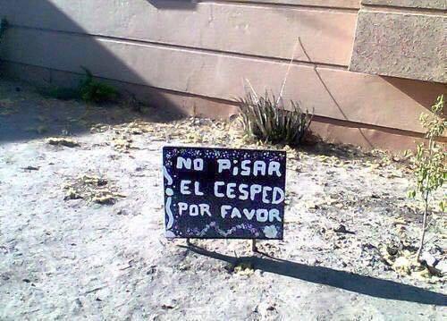 No pisar el cesped, por favor