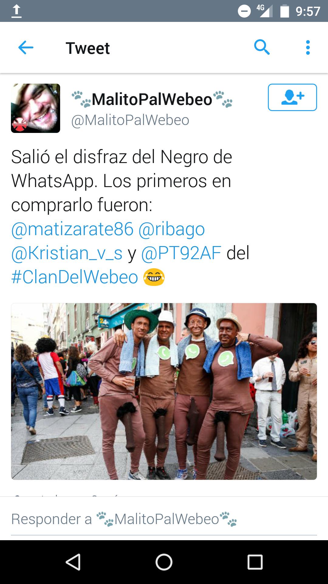 Cuatro disfrazados del Negro del Whatsapp