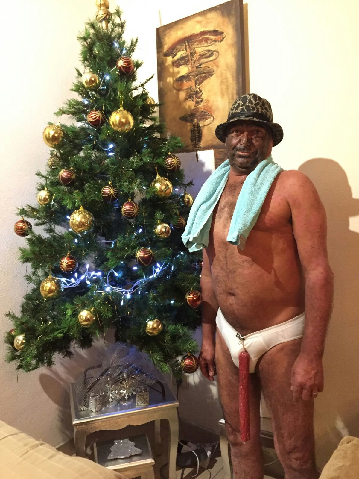 Negro del Whatsapp con el árbol de navidad